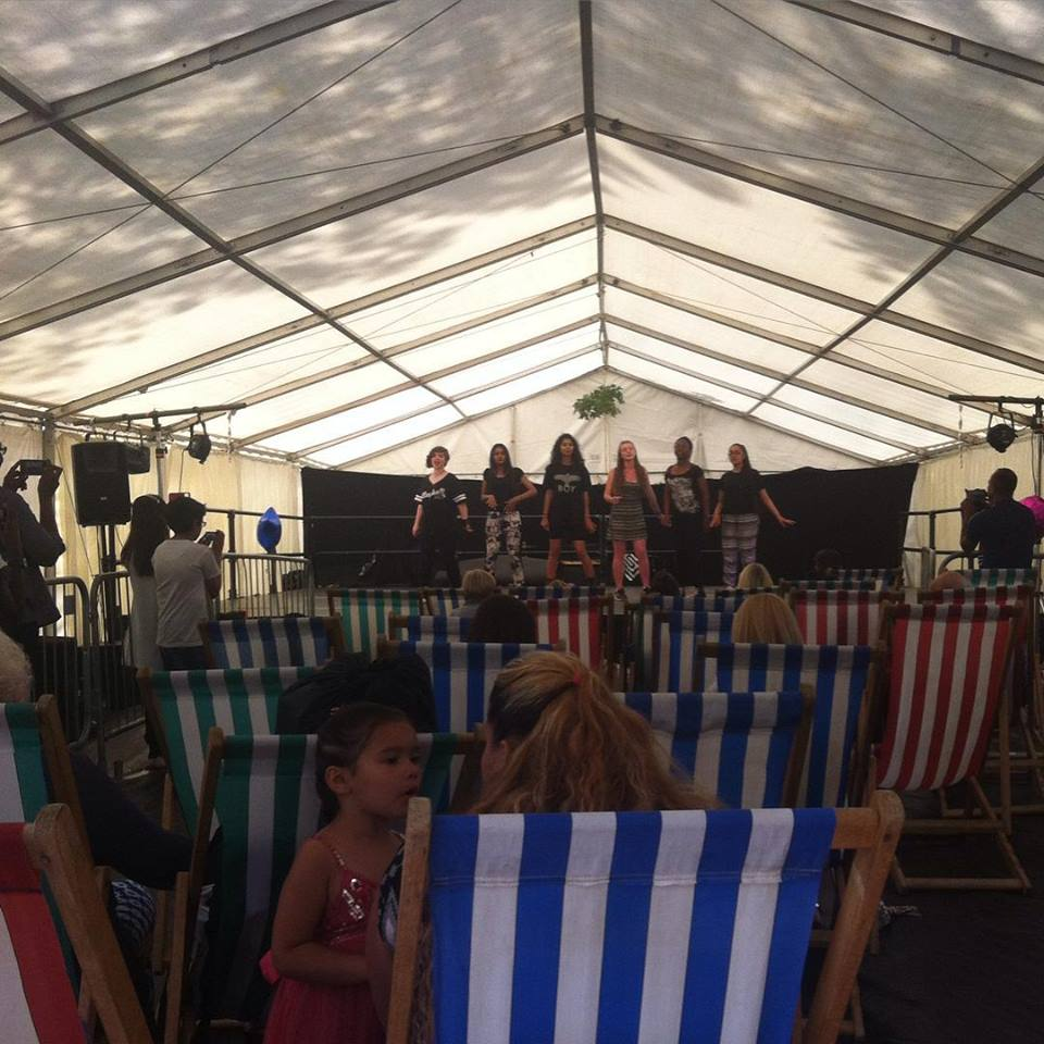 Deckchairsuk deckchair hire anywhere in the uk for Furniture hire london
